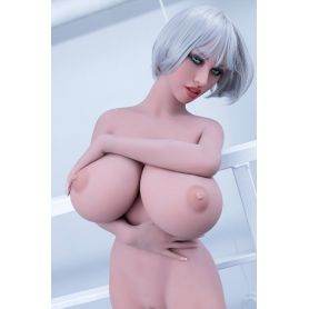 Femme aux gros seins en TPE - Roselyn- 148 cm