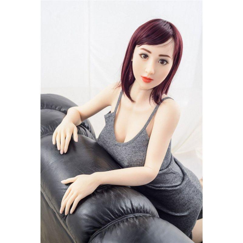 Femme séduisante en TPE- Jennifer - 160 cm