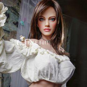 Femme séduisante et érotique en TPE - Yelida -161 cm