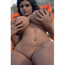 Femme africaine en TPE - Zamba - 165 cm