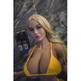 Femme avec décolleté plongeant - Clory - 153 cm