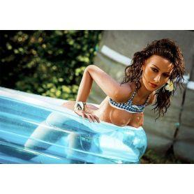 Femme avec petite poitrine en Silicone - Roselyne -157 cm
