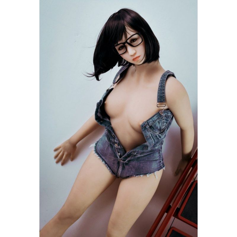 Fille coquine avec petite poitrine en Silicone - WMDOLLS - Nikola -162 cm