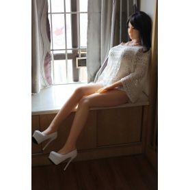 La femme discrète en TPE- Nully-158 cm