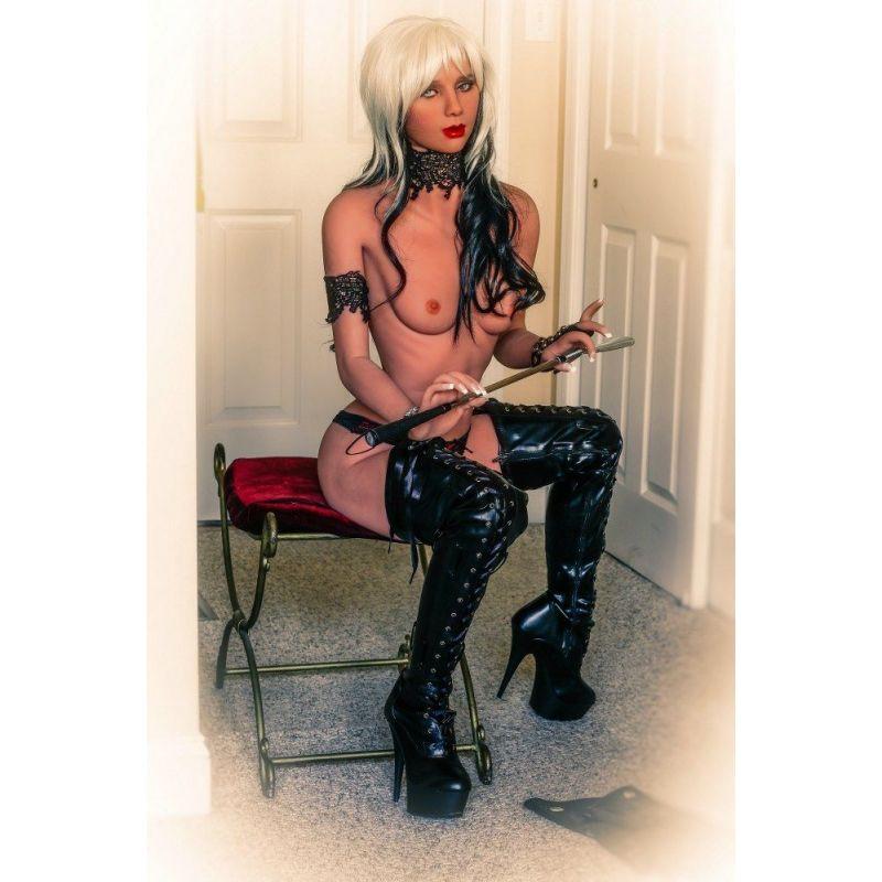 La femme en latex Hyper Réaliste pour adulte - YOUR DOLL - Lulu -155 cm