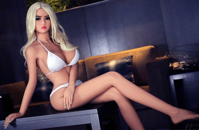 Séduire les filles sexy grace à votre poupée | Pleasure Sexy Doll